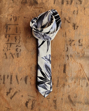 BLUE TROPICAL FLORAL SKINNY TIE