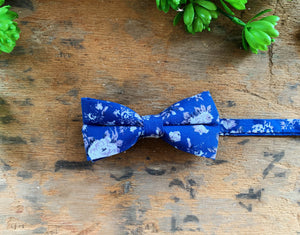 BLUE FLORAL BOW TIES
