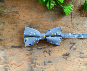 GREY FLORAL BOW TIES