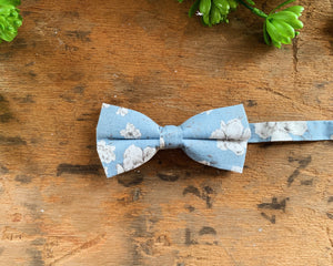 LIGHT BLUE FLORAL BOW TIES