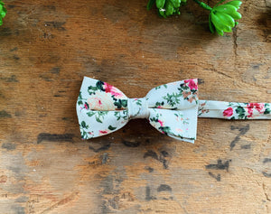 PEACH FLORAL BOW TIES