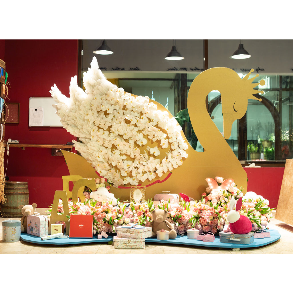Swan Arrangement - Wudflowers