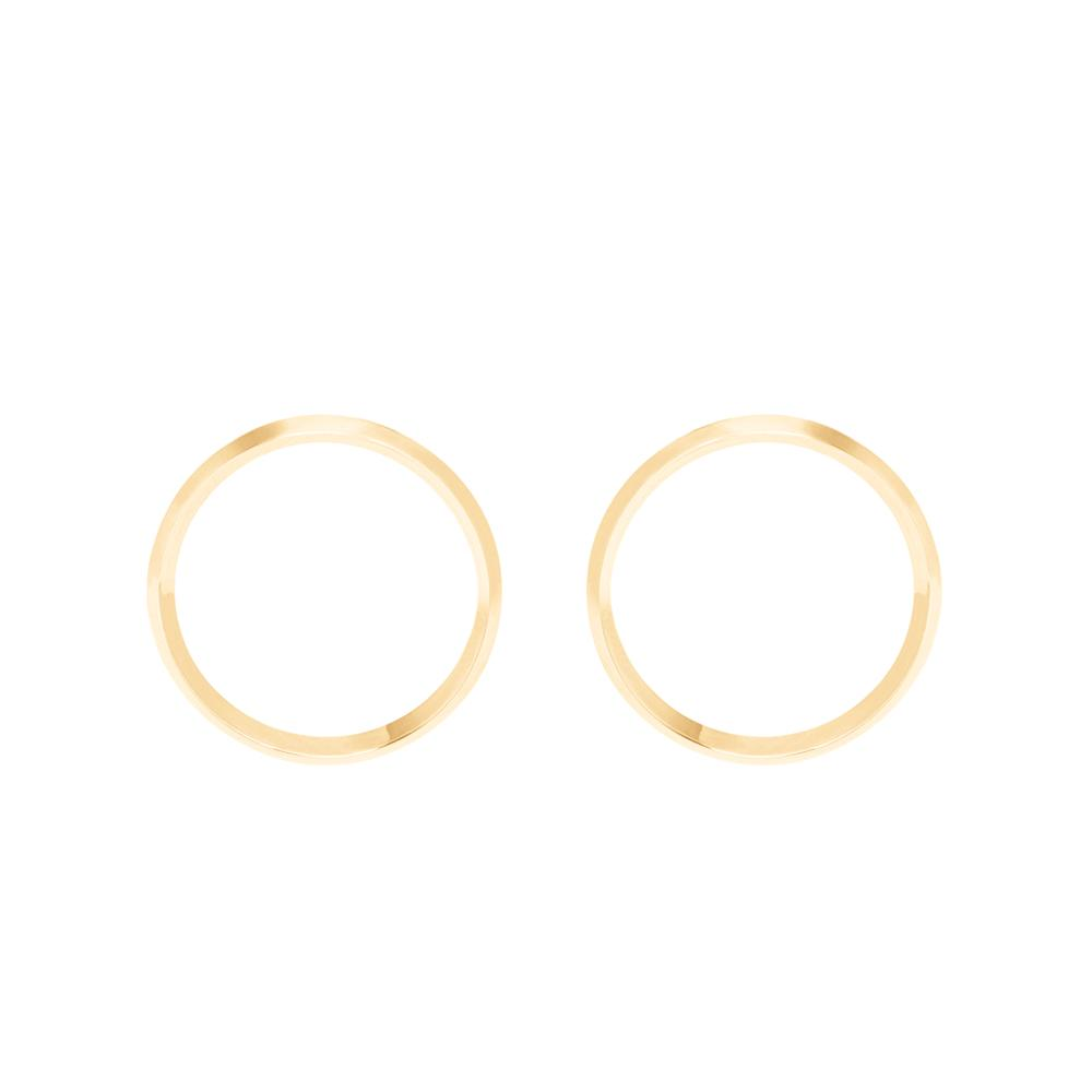 Style Hoop Earrings With 18K Yellow Gold