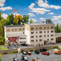 FALLER # 130809 - CLINIC - HO SCALE
