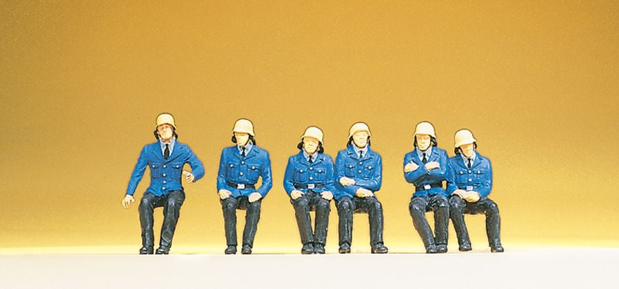 PREISER # 14207 - SEATED FIREMEN - 1:87 SCALE