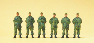 PREISER MILITARY # 16842 - STANDING SOLDIERS - FRG