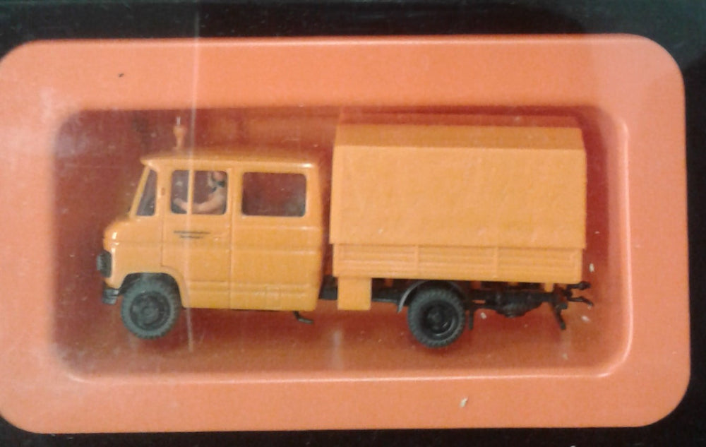PREISER # 37018 - 'Road Maintenance Vehicle  -  HO SCALE