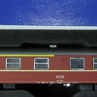 ROCO # 45851 - 1ST/2ND CLASS EXPRESS TRAIN