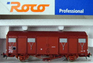 ROCO # 47516 - COVERED FREIGHT CAR,SNCF