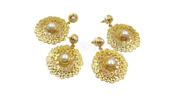 Electroplated hollow out earring