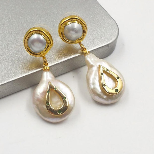 Natural freshwater pearl earring