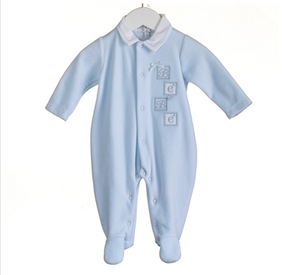 Newborn kleding essentials