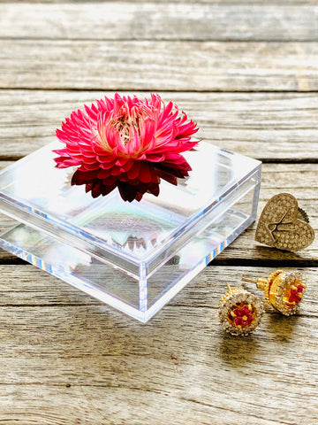 Acrylic Pill Box, Straw flower box, pill box with flower, small gifts, clear box, botanicals, dried flower box, small box