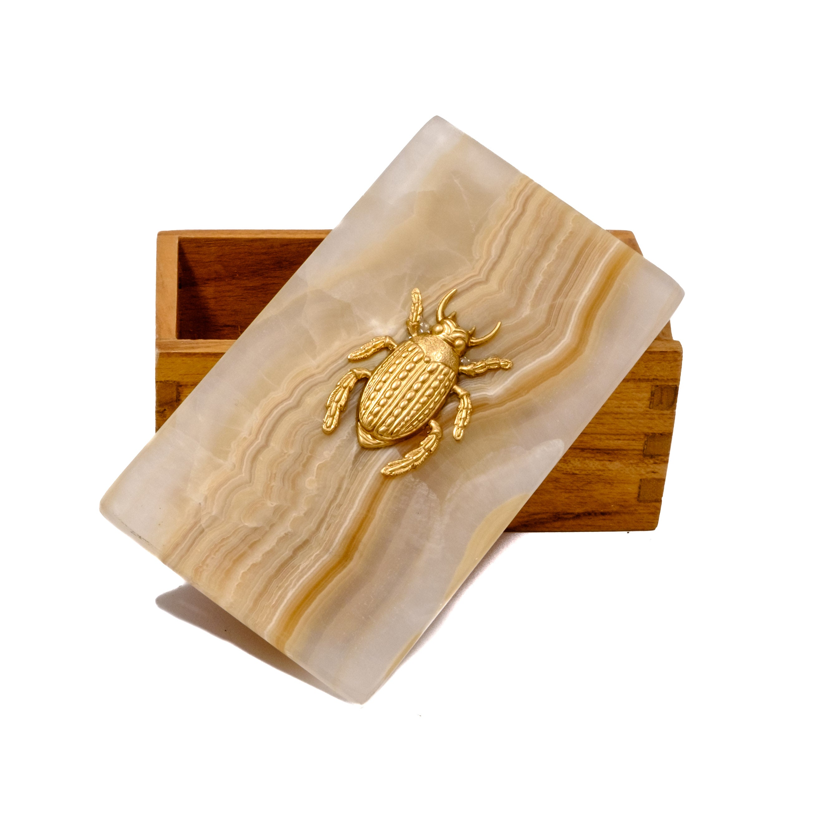 Garden beetle bug box by Mapleton Drive