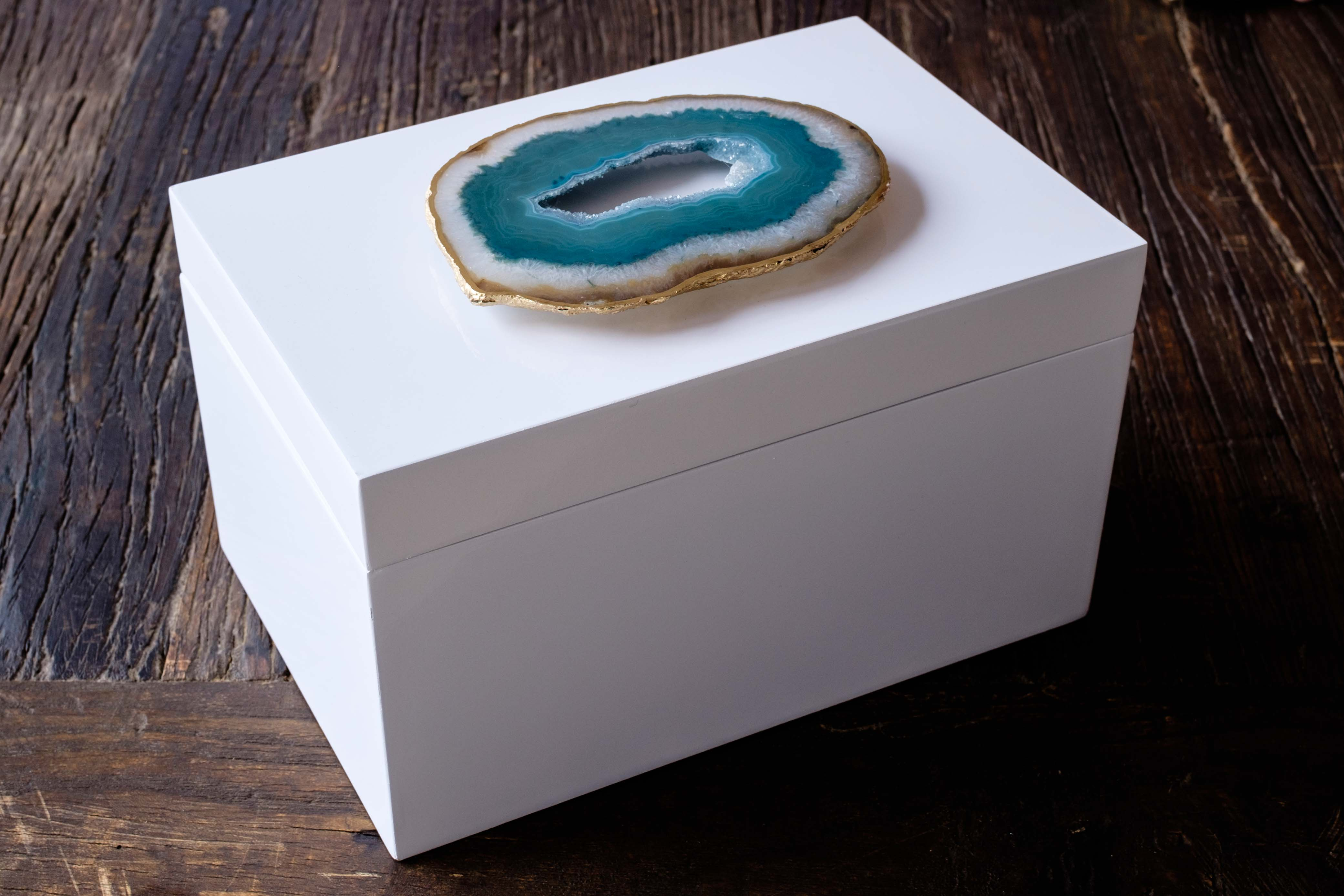 Remote White Lacquer Box with Teal Green Agate