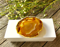 Small White Lacquer Box with Natural Agate