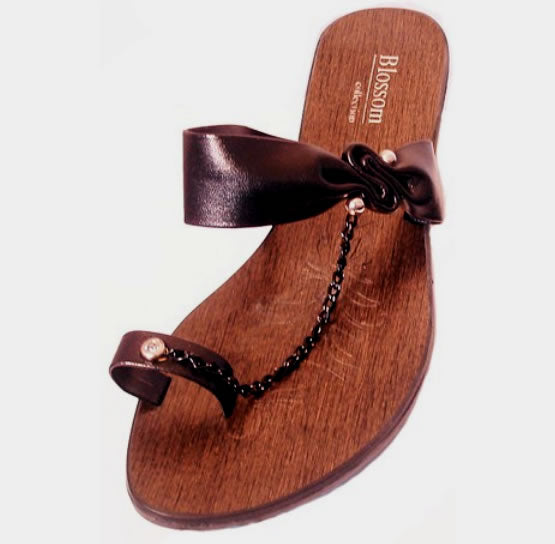Paddled Wooden Sandal - Black - Impulsive Fashion