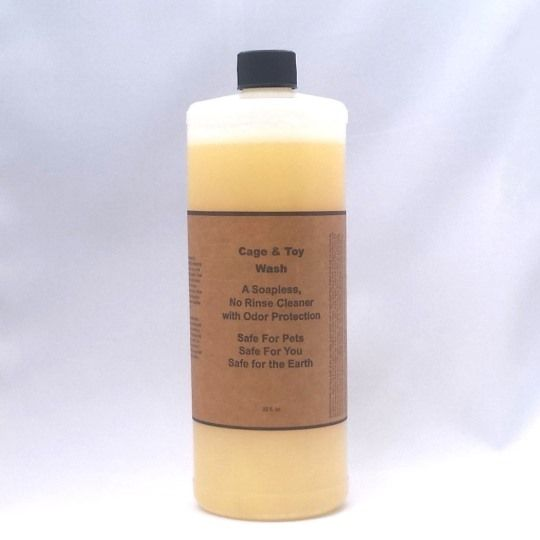 32 oz Natural Soapless, Rinseless Cleaner with Odor Protection for Cages & Floors