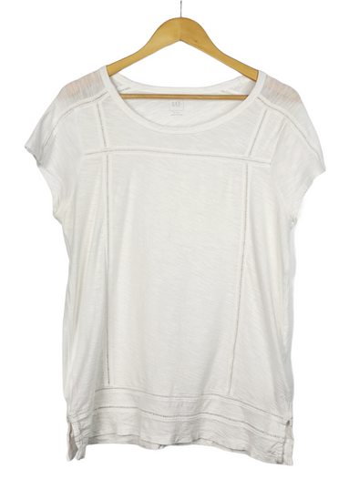 Gap • T-Shirt • Medium