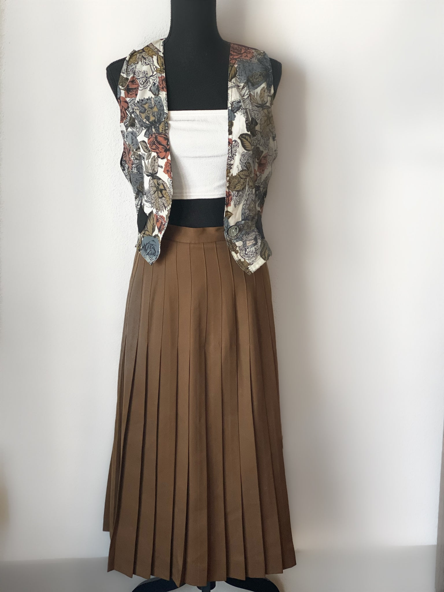 Vintage Long Pleated Skirt