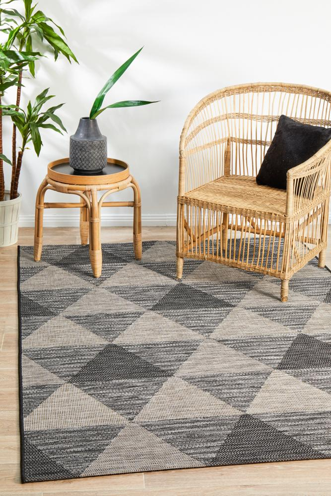 Indoor-Outdoor Shadow  Black Rug