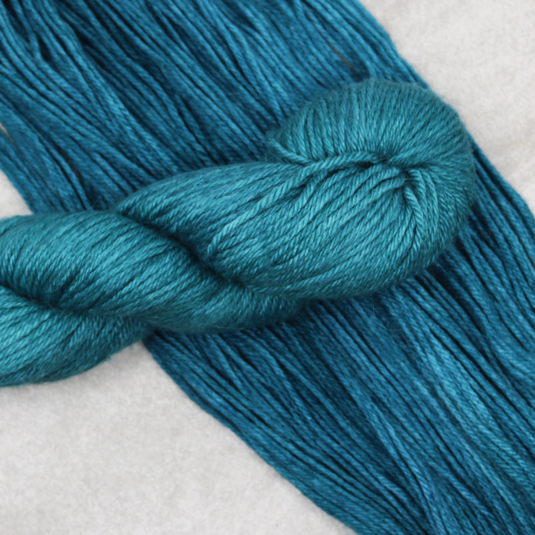 Catalina Shore, Hella Worsted