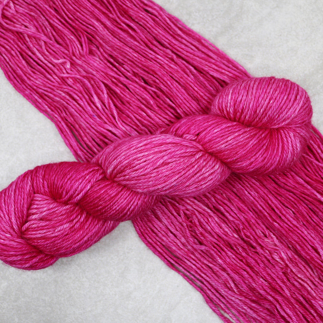 Pink Orchid, Hella Worsted