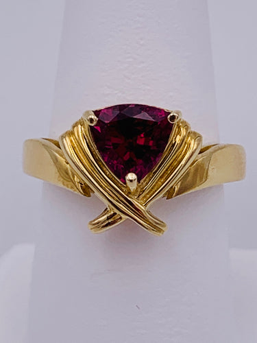 14 Karat Yellow Gold Trillion Shaped Raspberry Rhodolite Garnet Ring