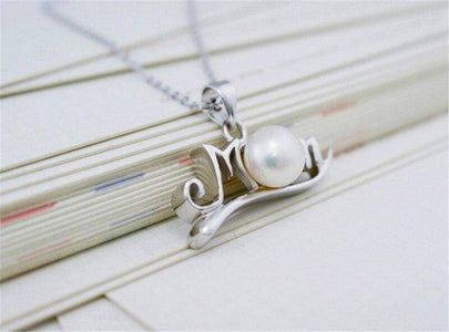 Pearl or Diamond Heart Mom Necklace
