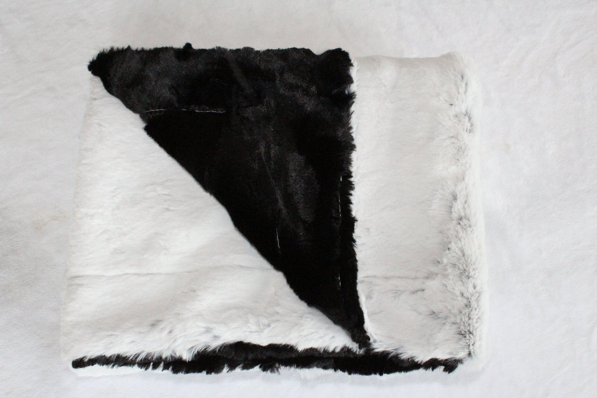 Zandino Ava Black/White Plush Baby Blanket