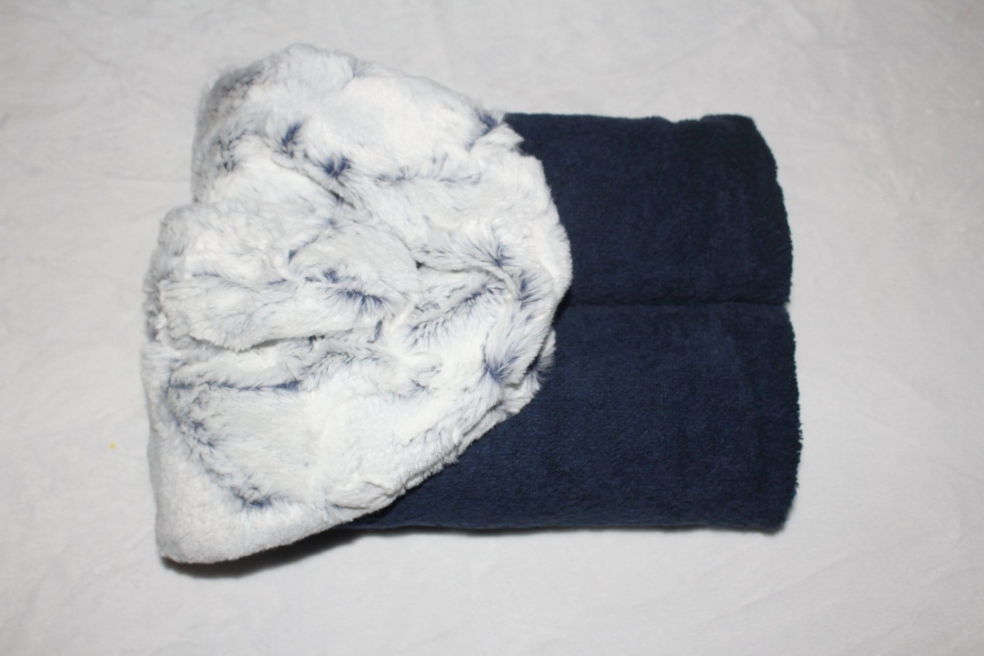 Zandino Milo Navy Oversized Hooded Towel Collection
