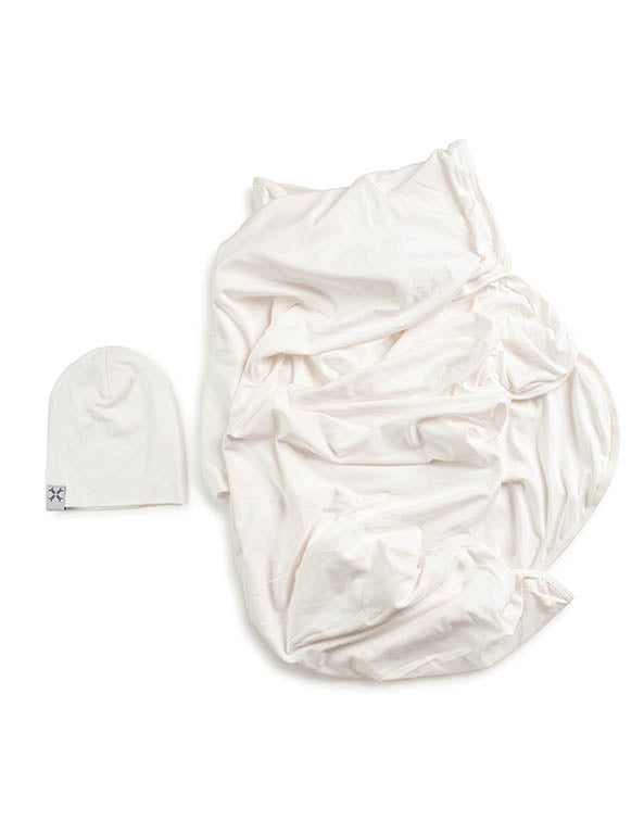 Jaqueline & Jac Natural White Beanie & Blanket Set