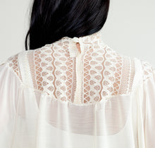Load image into Gallery viewer, Dom Vintage-Style Blouse