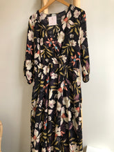 Load image into Gallery viewer, Plus Size Floral Dress