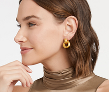 Load image into Gallery viewer, Cassis Doorknocker Earring