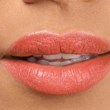 Afbeelding in Gallery-weergave laden, Beyond Matte™ Lip Fixation Lip Stain