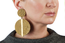 Load image into Gallery viewer, Hammered Spiral Earrings / Gold