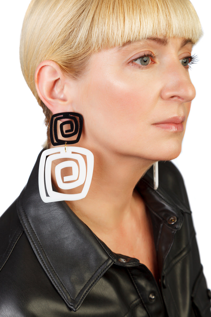 PlexiGlass Mirror-Black & White Spiral Double Square Earrings / Black & White