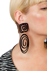 PlexiGlass Mirror-Black Oval Spiral Earrings / Black