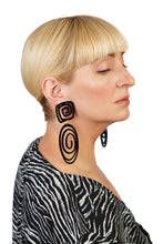 Load image into Gallery viewer, PlexiGlass Mirror-Black Oval Spiral Earrings / Black