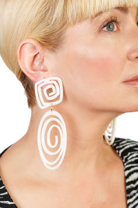 PlexiGlass Mirror-White Oval Spiral Earrings / White