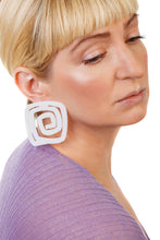 Load image into Gallery viewer, PlexiGlass Mirror-White Spiral Square Earrings / White