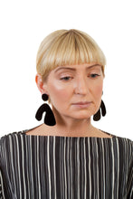 Load image into Gallery viewer, PlexiGlass Mirror-Black Arch Earrings / Black