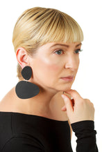 Load image into Gallery viewer, Pebbles Earrings/ Black
