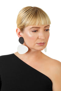 Pebbles Earrings/ Black+White