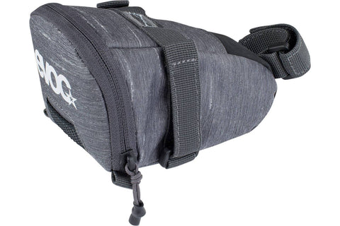 SADDLE BAG TOUR / CARBON GREY / M / 0.7L