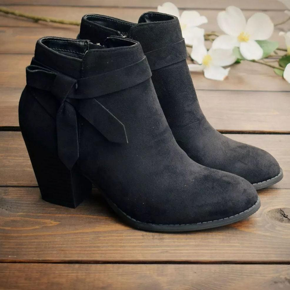 Ulterfashion Wrap Straps Chunky Block Heeled Western Boots