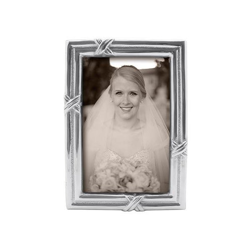 Love Knot 4x6 Frame | Mariposa Photo Frames