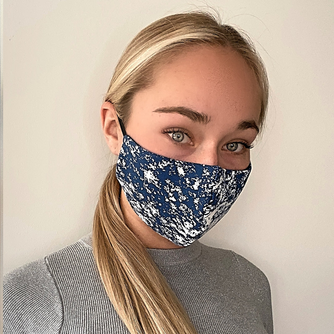 FACE MASK WITH FILTER POCKET
