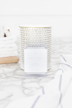 Load image into Gallery viewer, Farmhouse Candle & Wax Melts -Clean Cotton